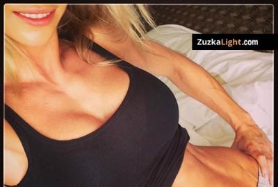 Hotel_Room_Workout_Zuzka_Light