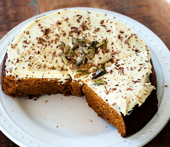 pumpkin_cake_with_eggnog_frosting