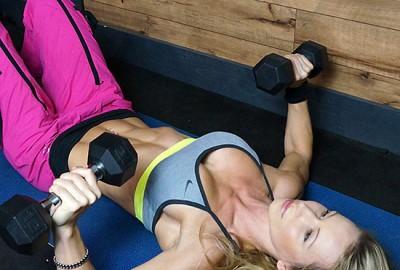 Beginner_Strength_Workout_series_1_Zuzka_Light