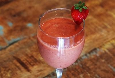 Grapefruit_straweberry_smoothie