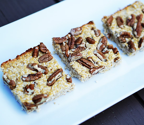 makes 4 big bars for about 375 calories each or 6 regular sized bars ...