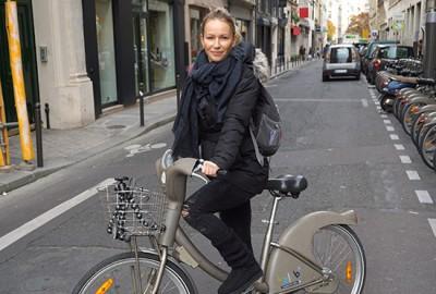 biking_in_Paris