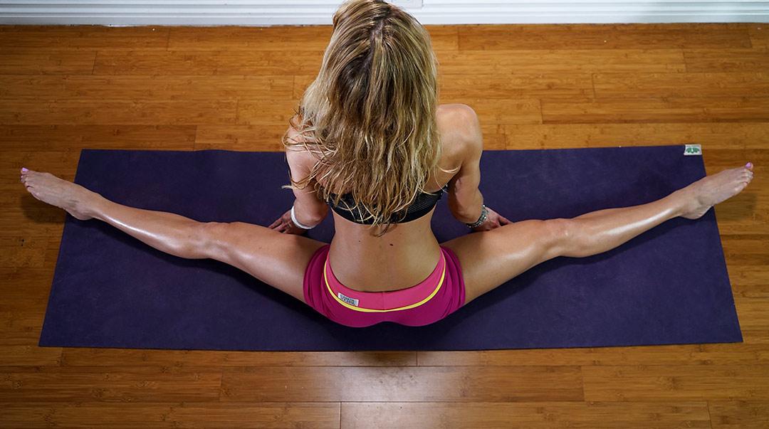Power Yoga #35 – Stretching for Side Split | Zuzka Light