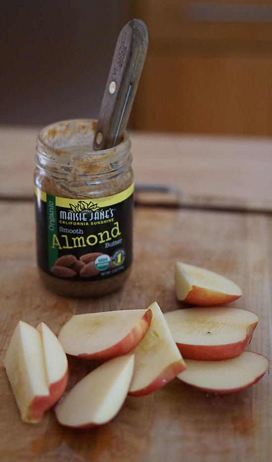 Apple_almond_butter_snack