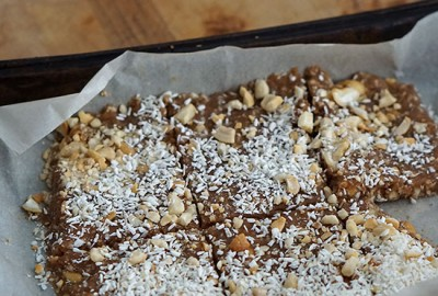 coconut_cashew_bars_featured