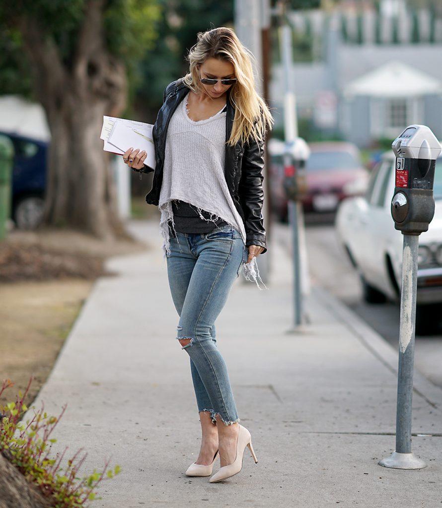 beige-heels-rugged-sweater-black-jacket2