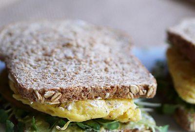BreakfastEgg&MustardYogurtSandwich-F