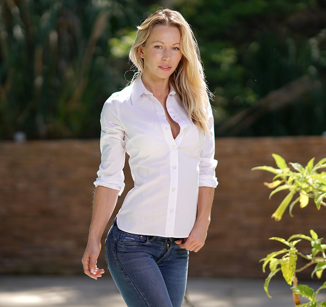 Zuzka Light Jeans Apparel for Athletes |...