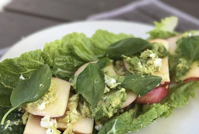 Cabbage_apple_goat_cheese-F