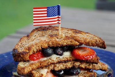 4th-of-July-GrilledCheeseSandwich-F